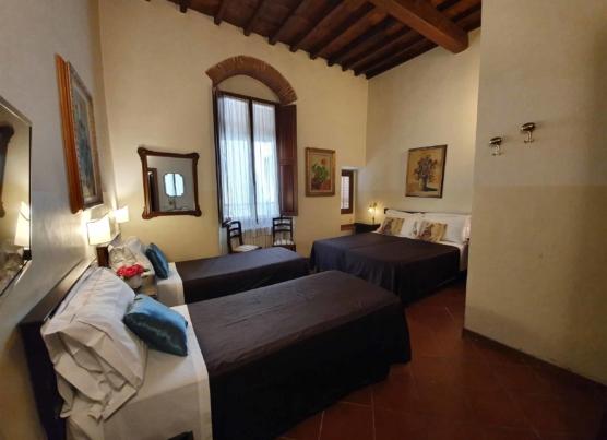 classic_0001_camere con bagno - reception - sala colazioni