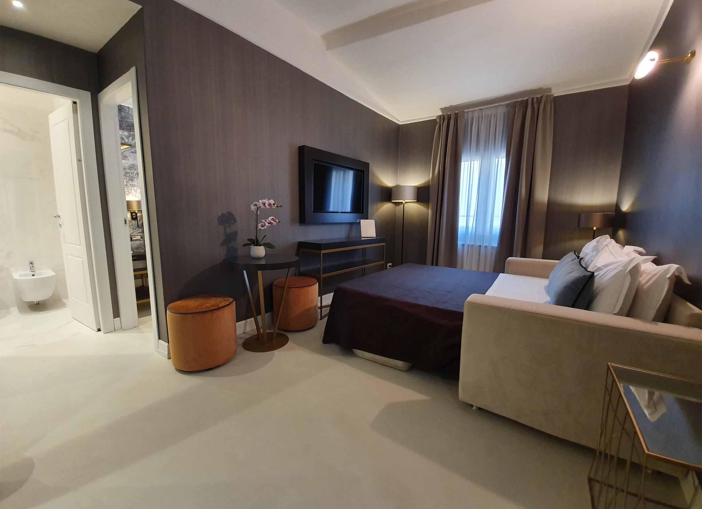 toscana tuscany _0003_325 divano aperto famiglia riposo relax firenze centro